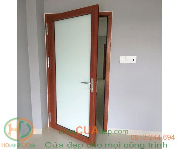 cửa xingfa vân gỗ 11