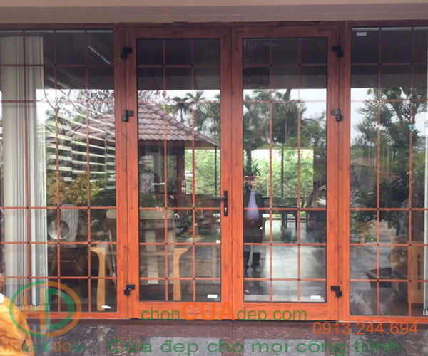 cửa xingfa vân gỗ 12
