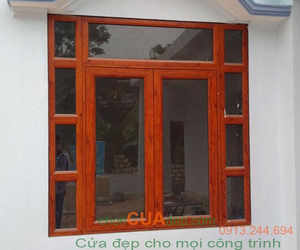 cửa xingfa vân gỗ 4