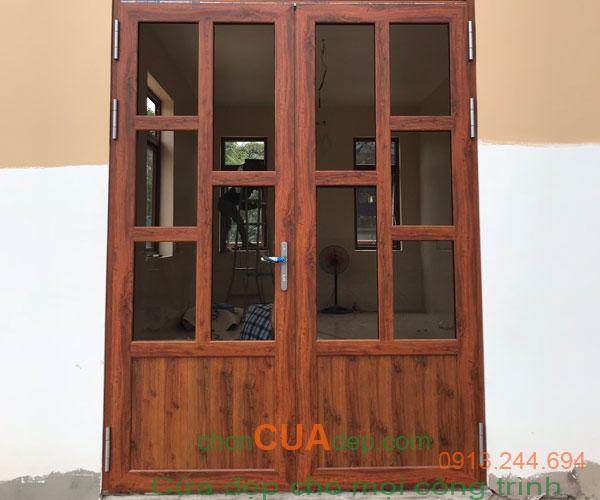 cửa xingfa vân gỗ 7