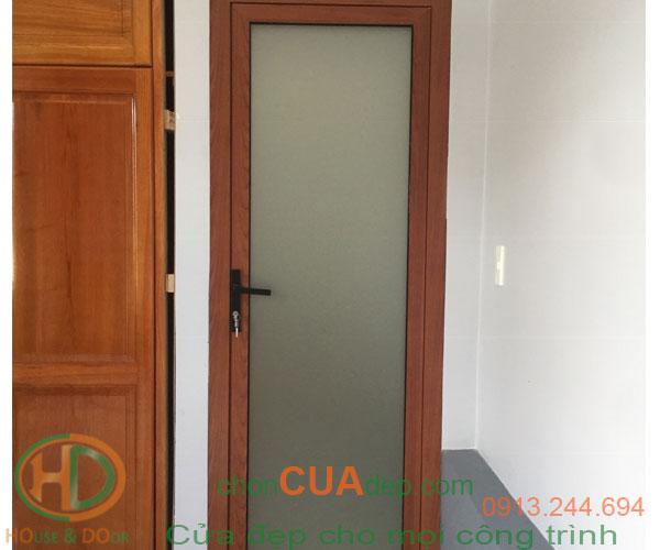 cửa xingfa vân gỗ 9