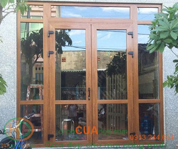 cửa nhựa lõi thép vân gỗ 11
